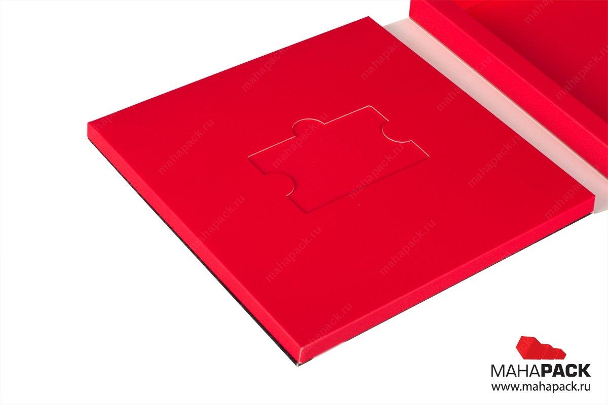 упаковка пластиковых карт с карт холдером