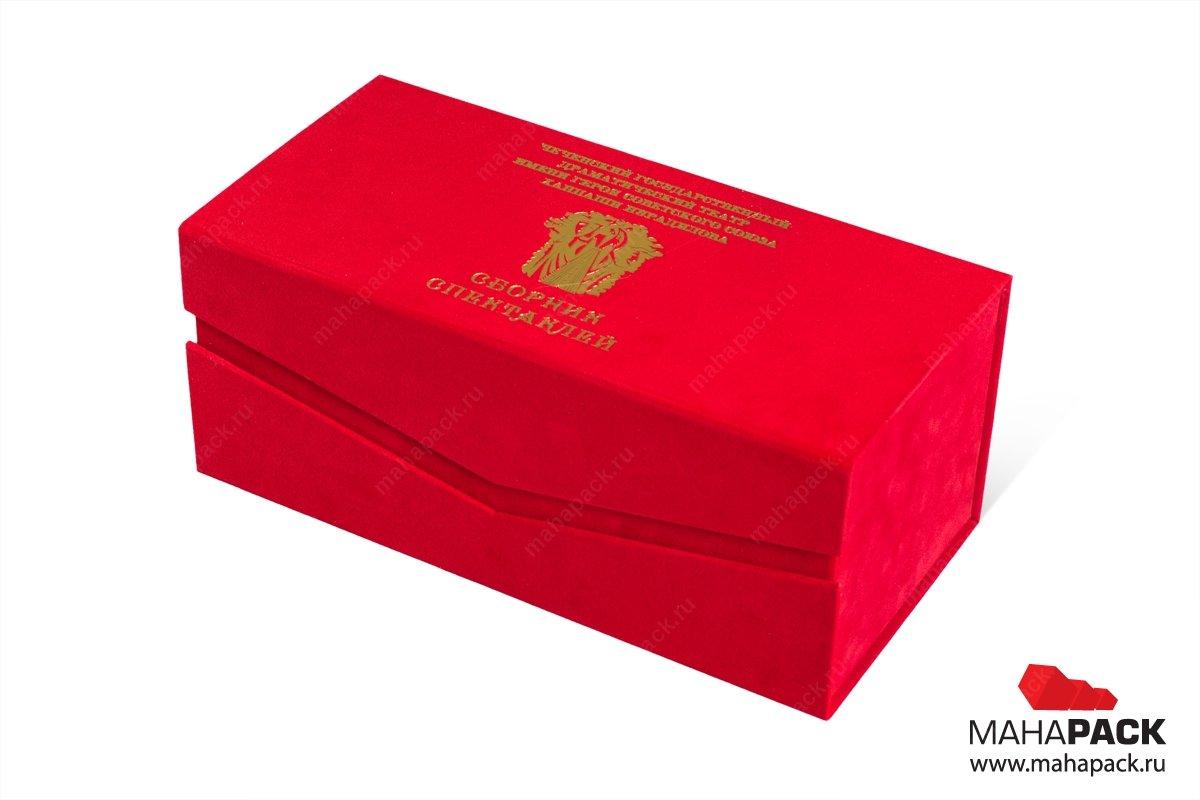 коробочка подарочная с фигурным клапаном