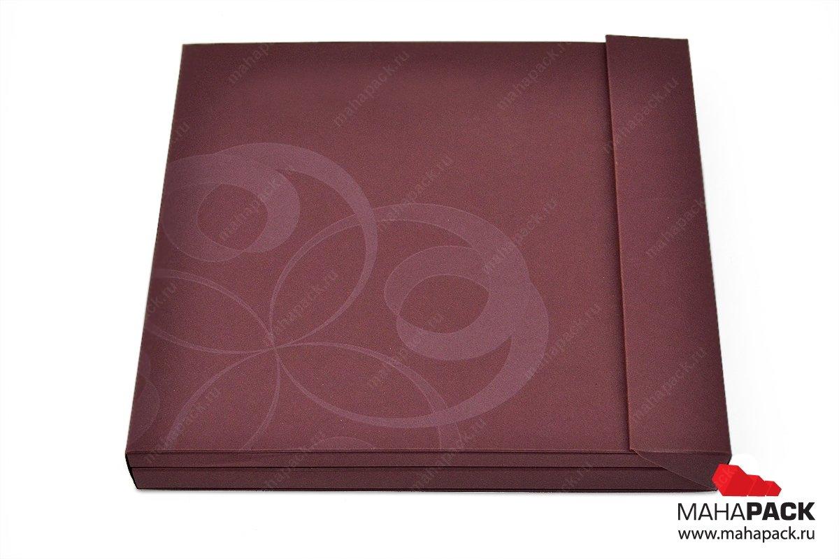 Эксклюзивная упаковка-книжка для буклета и пластиковой карты