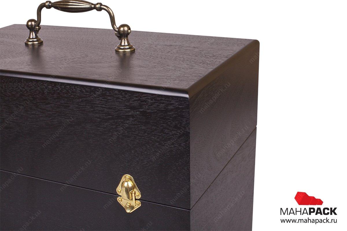 деревянная коробка с навесной ручкой